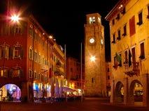 Riva del Garda is een stad en comune in de noordelijke Italiaanse provincie van Trento van het gebied en Lago Di Garda van Trenti stock foto's