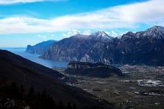 Riva del Garda nell'inverno Fotografie Stock Libere da Diritti