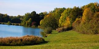 Riva del lago di autunno Fotografia Stock Libera da Diritti