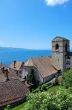 Riva del lago Ginevra ed alpi Fotografia Stock Libera da Diritti