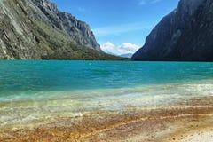 Riva del lago Llanganuco Orconcocha Fotografia Stock