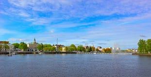 Riva del sud del fiume di Kokemanjoki in Pori, Finlandia Immagine Stock Libera da Diritti