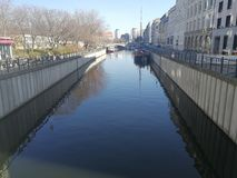 Riva della baldoria del fiume a Berlino, Germania Immagini Stock Libere da Diritti
