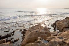 Riva di mar Mediterraneo nel Cipro Fotografia Stock Libera da Diritti