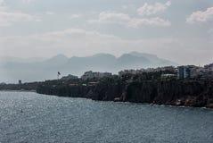 Riva di mare a Adalia, Kaleici, Turchia fotografia stock libera da diritti