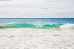 Riva di mare australiana della spiaggia dell'onda di estate di Ningaloo bella Fotografia Stock