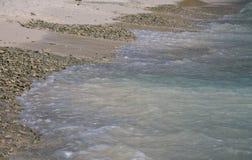 Riva e spiaggia di mare dell'oceano Fotografia Stock