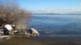 Riva nell'inverno, Lituania dello sputo di Curonian Fotografia Stock Libera da Diritti