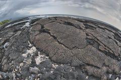 Riva nera hawaiana della lava Immagini Stock Libere da Diritti