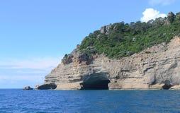 Riva rocciosa Immagini Stock
