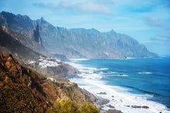 Riva vicino a Almaciga, Anaga, Tenerife dell'oceano Fotografie Stock