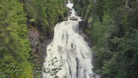 Riva Waterfalls, Campo Tures, Alto Adige, Italia almacen de video