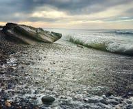 Rivage de ‹d'†de ‹d'†de mer cailloux onde pierres image libre de droits