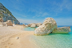 Rivage de Cala Mariolu Photo stock