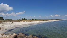 Rivage de la Mer Noire près de station de vacances de Gura Portitei Images stock