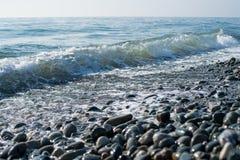 Rivage de pierres de mer Image libre de droits