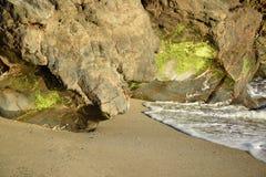 Rivage de plage de canyon de bateau dans le Laguna Beach, la Californie Photo stock