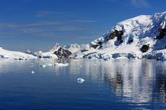 Rivage de port de paradis, Antarctique Image libre de droits