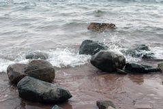 Rivage du lac Supérieur au secteur Marquette City, Michigan, Etats-Unis Photo libre de droits