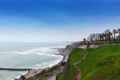 rivage et route d'océan photos libres de droits