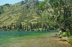 Rivage oriental de lac Kolsay Photographie stock