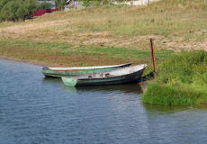 rivage proche de bateau Photo libre de droits
