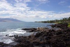 Rivage rocheux dans Maui, Hawaï Photographie stock