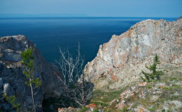 Rivage rocheux près de cap Khoboy Images stock