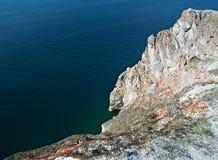 Rivage rocheux près de cap Khoboy Photographie stock libre de droits
