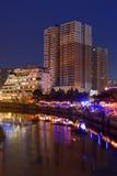 Rive de scènes de nuit de ville de CHENGDU Photographie stock libre de droits