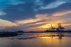 Rive vicino al porto di Gibuti Immagine Stock