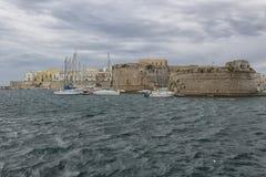 Rivelino-Turm im Schloss herein in Gallipoli (Le) Stockfotos