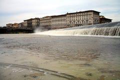 River Arno i Florence Arkivbilder