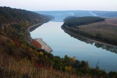 River-bed av floden Arkivfoto