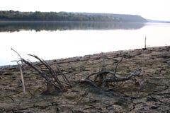 River-bed da secagem acima do rio Fotos de Stock