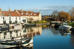 River, boats and houses Royalty Free Stock Photos
