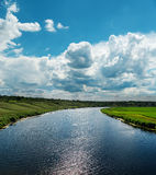 River and cloudy sky Royalty Free Stock Photos