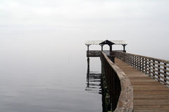 River dock on a foggy afternoon Royalty Free Stock Photos