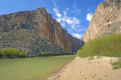 River Flowing Through a Desert Canyon Royalty Free Stock Photography