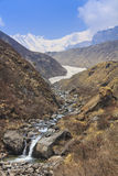 River and Himalaya mountain valley of Annapurna basecamp trekking trail, Nepal Stock Photography