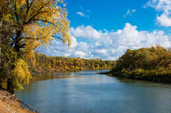 River landscape with white clouds Royalty Free Stock Photography