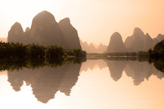 The river Li (lijang) at sunset between Guilin and Yangshuo Stock Photos