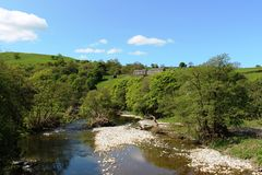 River Lune, Beckfoot Cumbria on a sunny spring day Stock Image