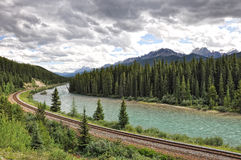 River, railway, mountains - Banff National Park Royalty Free Stock Photos