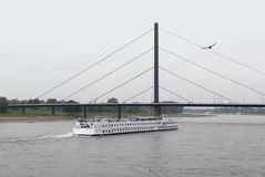River Rhine scenery in Duesseldorf Stock Photography