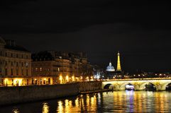 RIVER SEINE AT NIGHT Royalty Free Stock Photography