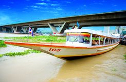 River taxi picking up passengers Royalty Free Stock Photography