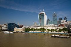 River Thames and buildings of City fo London (Great Britain) Royalty Free Stock Photos