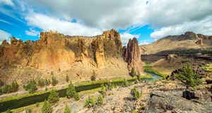 River Trail at Smith Rocks State Park, a popular rock climbing area in central Oregon near Terrebonne stock photography