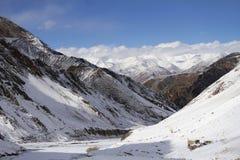 River Valley в Ladakh, Гималаях Стоковое фото RF